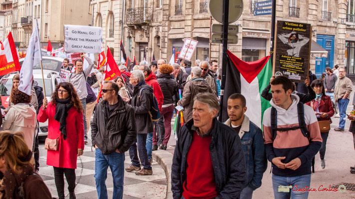 10h57 Fête du travail : Solidarité internationale des travailleurs. Place Gambetta, Bordeaux. 01/05/2018