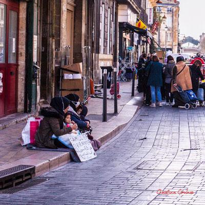 "2/2 ""Famille syrienne"" Rue Clare, Bordeaux. Samedi 6 mars 2021. Photographie © Christian Coulais"