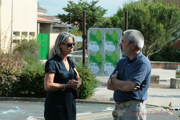 Simone Ferrer, Maire de Cénac et Jean-Luc Camiliéri, Adjoint. Festival JAZZ360 2011, Les coulisses du Festival à Cénac. 03/06/2011