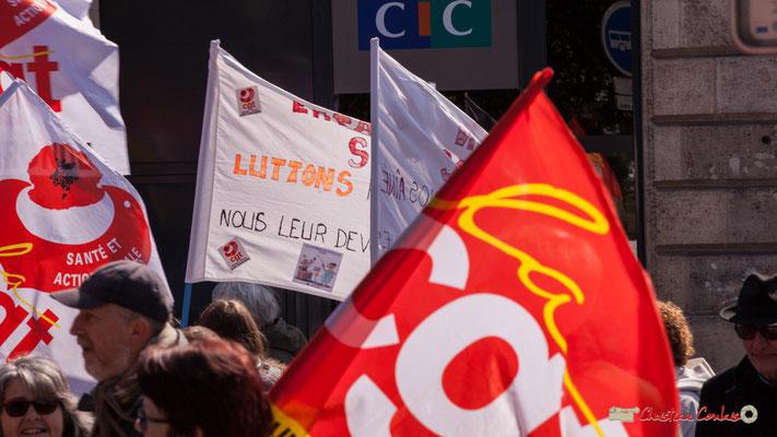 """14h17 """"Luttons"""" Manifestation intersyndicale de la Fonction publique/cheminots/retraités/étudiants, place Gambetta, Bordeaux. 22/03/2018"""