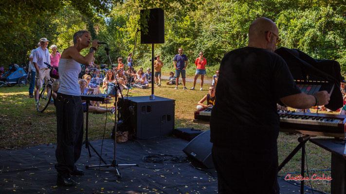 Clémence de la Taille, Syan; Purple Ashes en concert. Festival Ouvre la voix, Citon-Cénac, dimanche 5 septembre 2021. Photographie © Christian Coulais