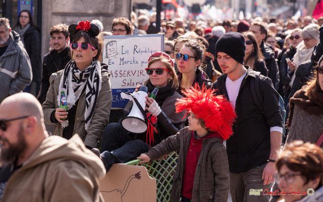 """14h56 """"La République En Marche pour asservir les salariés..."""" Manifestation intersyndicale de la Fonction publique/cheminots/retraités/étudiants, place Gambetta, Bordeaux. 22/03/2018"""