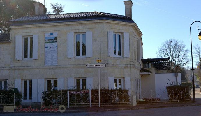 Pignon sur rue, belle intégration de La Source, pôle culturel et social de Sallebœuf