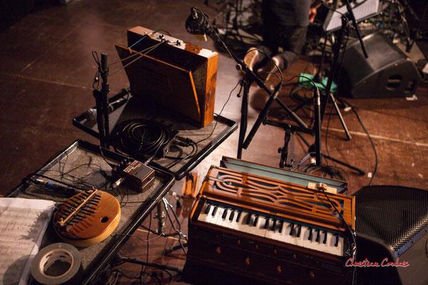 """Shruti box M4 à 3 octaves de Sylvain Rifflet & Harmonium de Sandrine Marchetti ; Sylvains Rifflet """"Troubadours"""" Quartet. Festival JAZZ360, samedi 5 juin 2021, Cénac. Photographie © Christian Coulais"""