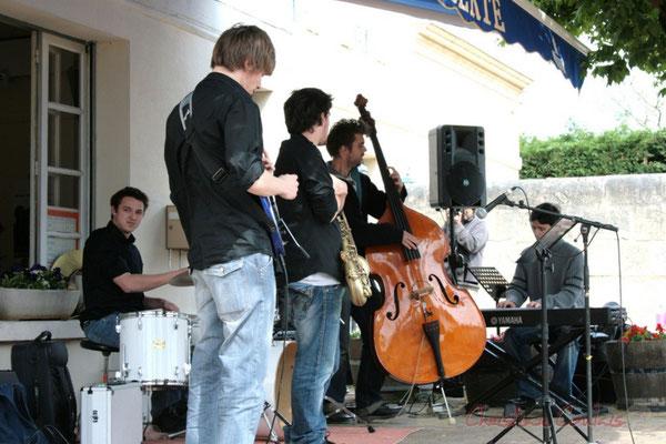 Mathias Monseigne, Paul Robert, Hugo Raducanu, ?. Ateliers Jazz des Conservatoire d'Agen, Bordeaux, Mont-de-Marsan. Festival JAZZ360 2010, Cénac. 16/05/2010
