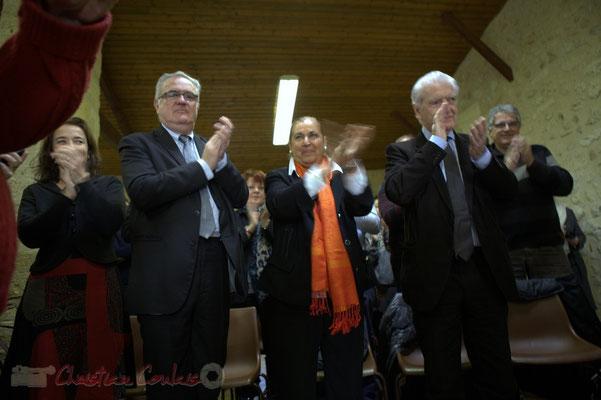 Mathilde Feld, Jean-Marie Darmian, Martine Faure, Philippe Madrelle et les autres élus applaudissent Suzette Grel. 7 février 2015 à Le Pout