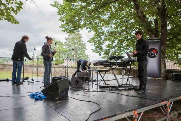 C'est Charlotte Leric et ses stagiaires qui assure les mixages des sons en extérieur. Tandis que Phil Gueguen range son matériel. JAZZ360 2016, 11/06/2016