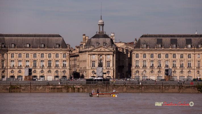 Cap Seat Boat, bateau devant le miroir d'eau. Bordeaux, 22/06/2019 Reproduction interdite - Tous droits réservés © Christian Coulais