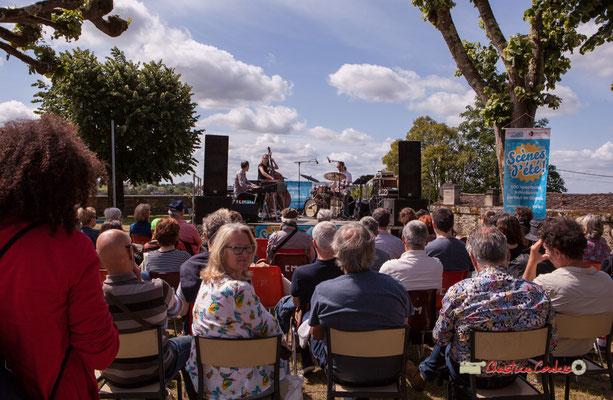 Marie Raducanu, bénévole de l'association JAZZ360. Loïc Cavadore Trio, Festival JAZZ360 2019, Camblanes-et-Meynac. 08/06/2019