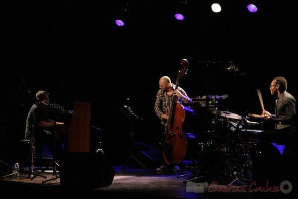 Jean-Yves Jung, Mauro Gargano, Roger 'Kemp' Biwandu; Roger Biwandu Quintet, Festival JAZZ360 2011, Cénac. 03/06/2011