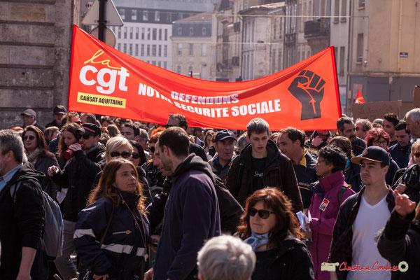 """14h49 CGT CARSAT """"Nous défendons notre Sécurité Sociale"""" Manifestation intersyndicale de la Fonction publique/cheminots/retraités/étudiants, place Gambetta, Bordeaux. 22/03/2018"""