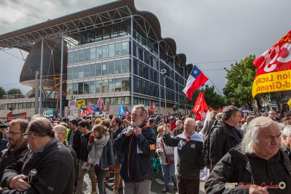 """""""Cuba libre"""" Manifestation du 1er mai 2017, avec la France Insoumise, cours d'Albret, Bordeaux"""