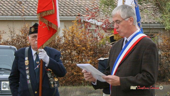 Olivier Lamothe, adjoint au Maire. Hommages et commémoration de l'Armistice du 11 novembre 1918 à Cénac, ce mardi 11 novembre 2008.