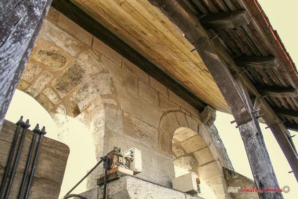 Rénovation de l'auvent du clocher-mur de l'église Saint-André, Cénac. 10/02/2018
