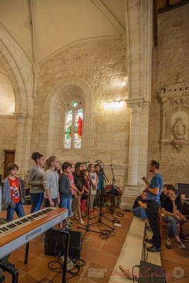 Chorale jazz de l'école primaire de Le Tourne, dirigé par Vincent Nebout. Festival JAZZ360 2016
