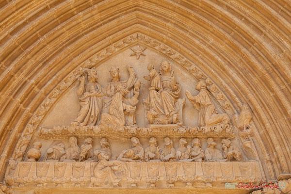 Tympan du portail du Sanctuaire-Forteresse de Santa María de Ujué, Navarre /  Tímpano del portal del Santuario-Fortaleza de Santa María de Ujué, Navarra