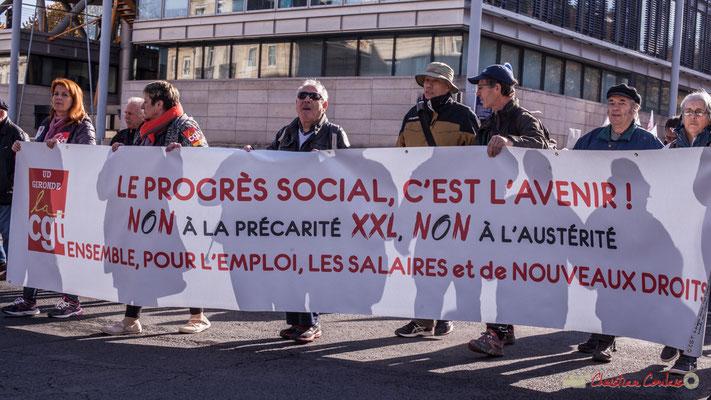 """CGT """"Le progrès social, c'est l'avenir ! NON à la précarité XXL, NON à l'austérité. Ensemble, pour l'emploi, les salaires et de nouveaux droits"""" Manifestation intersyndicale contre les réformes libérales de Macron. Cours d'Albret, Bordeaux, 16/11/2017"""