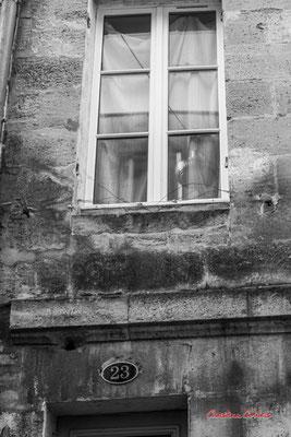 """""""Réflexion cuivrée"""" Quartier Saint-Michel, Bordeaux. Mercredi 24 juin 2020. Photographie © Christian Coulais"""