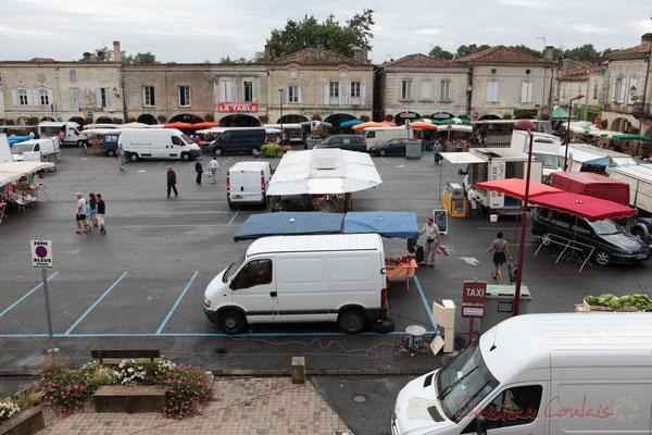 9h00, 24 août 2011. Place de la Prévôté, Marché de Créon, Gironde