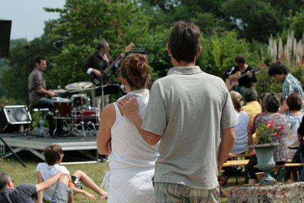"""""""A deux, simple moment de bonheur"""" Philippe Bayle Trio. Festival JAZZ360, Quinsac. 05/06/2011"""