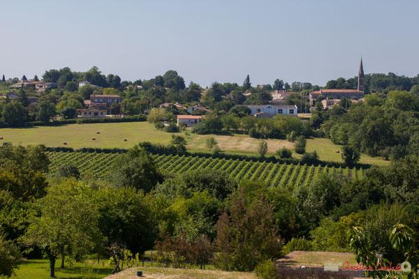 Face à Camblanes-et-Meynac, le coteaux de Quinsac ou deux concerts se jouent le dimanche. Festival JAZZ360, 10 juin 2017, Camblanes-et-Meynac