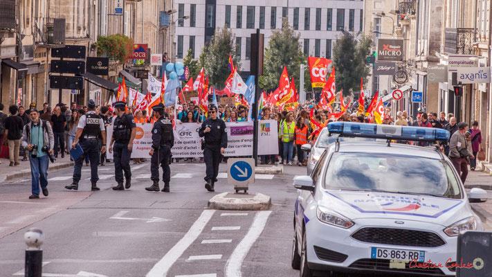 12h18 Arrivée de la manifestation intersyndicale de la Fonction publique, rue du Docteur Nancel Pénard, Bordeaux. 10/10/2017