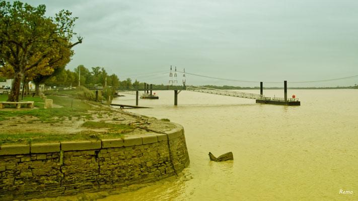 Le port de Bourg-sur-Gironde, samedi 26 septembre 2020. Photographie HDR © Raymond Joubert