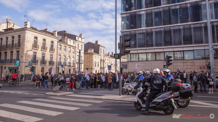 La France insoumise, aux premières loges. Manifestation intersyndicale de la Fonction publique, cours d'Albert, Bordeaux. 10/10/2017