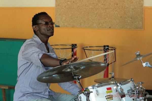 Roger 'Kemp' Biwandu. Festival JAZZ360, Les coulisses du Festival à Cénac. 03/06/2011