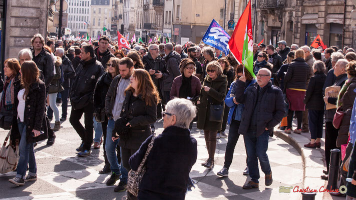 14h54 Parti de Gauche. Manifestation intersyndicale de la Fonction publique/cheminots/retraités/étudiants, place Gambetta, Bordeaux. 22/03/2018