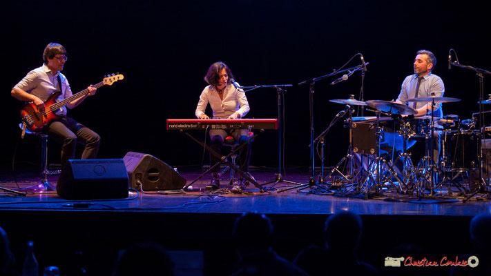 Akoda Trio : Benjamin Pellier, Valérie Chane-Tef, Franck Leymerégie. Soirée cabaret JAZZ360, Cénac. 17/03/2018