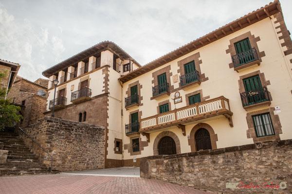 Maison de maître au blason baroque et Hôtel de ville de Liédena / Mansión barroca escudo de armas y el Ayuntamiento de Liédena. Navarra