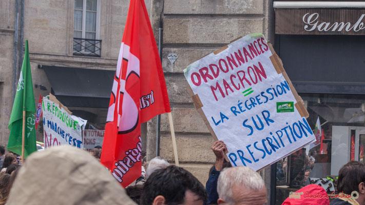 """""""Ordonnances Macron = la régression sur prescription"""" Manifestation contre la réforme du code du travail. Place Gambetta, Bordeaux, 12/09/2017"""