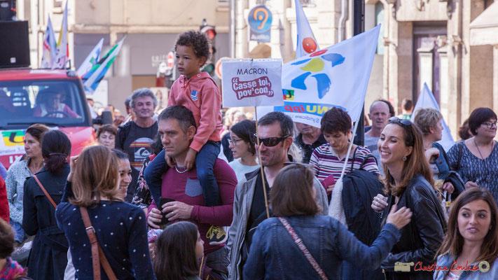 """""""Macron Casse toi, pov'con"""" Manifestation intersyndicale de la Fonction publique, place Gambetta, Bordeaux. 10/10/2017"""