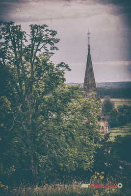 Vue sur le clocher de l'église Saint-Léonce et la Garonne depuis le Parc du Château de Pomarède, Langoiran. Festival JAZZ360, 6 juin 2019