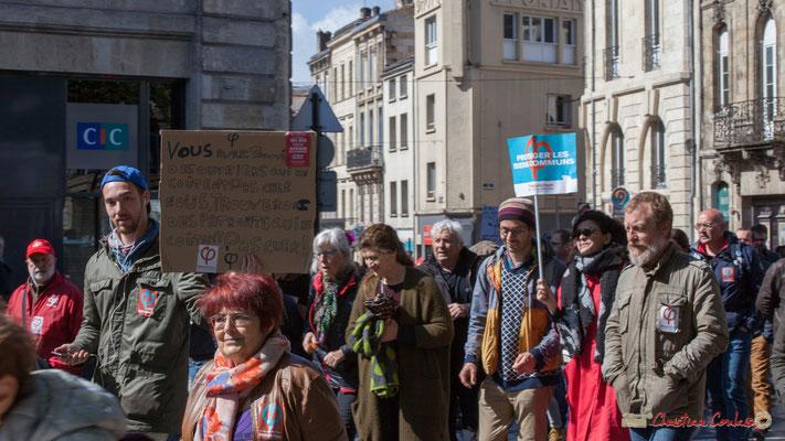 """""""Vous avez trouvé des ouvriers qui ne coûtent pas cher nous trouverons des patron qui ne coûtent pas cher !"""" Manifestation du 1er mai 2017, avec la France Insoumise, place Gambetta, Bordeaux"""