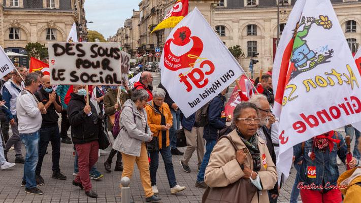 """""""Des sous pour le social"""" Manifestation intersyndicale, Bordeaux, mardi 5 octobre 2021. Photographie © Christian Coulais"""