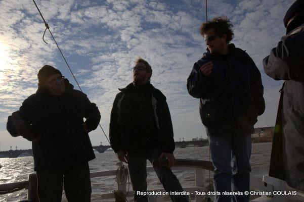 Une autre partie de l'équipage associatif les Chantiers Tramasset sur la gabare les Deux Frères. Bordeaux, samedi 16 mars 2013