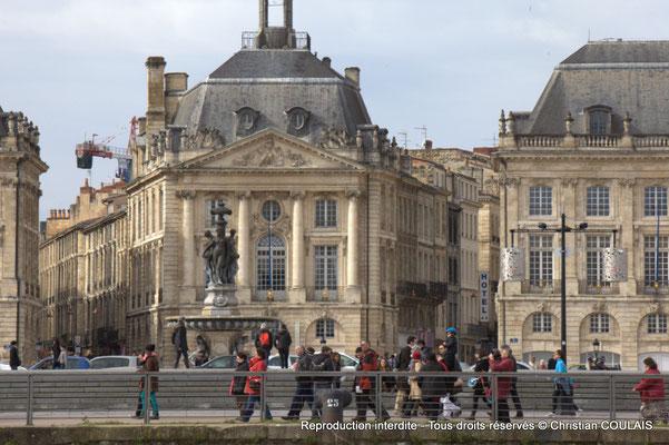 Quai de la Douane, fontaine des Trois grâces, place de la Bourse et miroir d'eau. Gabare les Deux Frères, Bordeaux, samedi 16 mars 2015