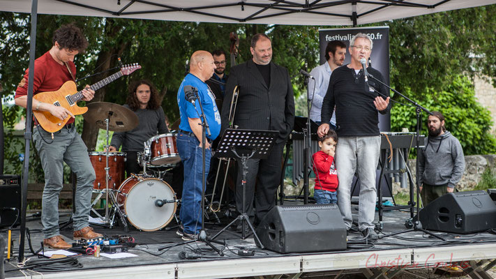 Bernard Capdepuy, élu à Quinsac rappelle le programme. Festival JAZZ360 2016, Quinsac, 12/06/2016