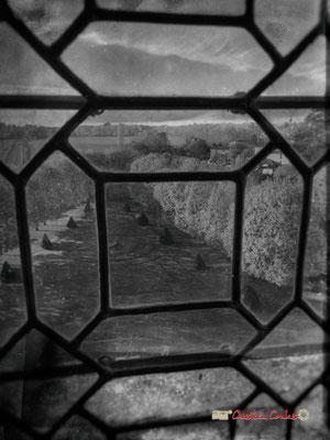 """""""Fenêtre sur parc"""" Château de Cadillac, Centre des Monuments Nationaux. Photographe : Christian Coulais. 04/11/2018"""