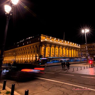 """""""Vivre l'instant présent"""" Bordeaux, place de la Comédie & Grand-théâtre. Mercredi 16 décembre 2020. Photographie © Christian Coulais"""