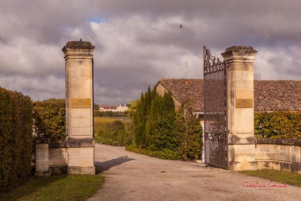 Entrée du Château d'Yquem, Sauternes. Samedi 10 octobre 2020. Photographie © Christian Coulais