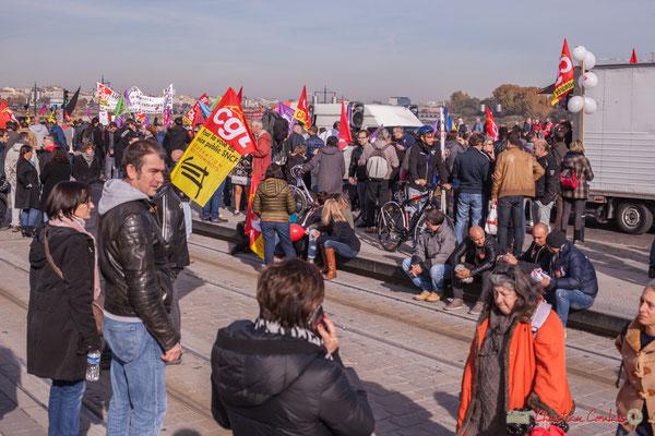 Fin de la manifestation intersyndicale contre les réformes libérales de Macron. Place de la bourse / ex place royale, Bordeaux, 16/11/2017