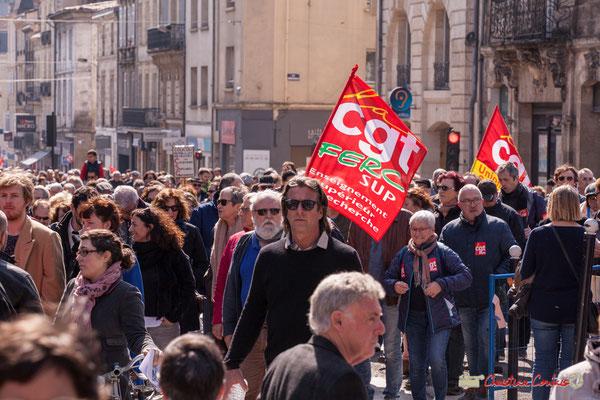14h29 CGT FERC Sup (enseignement supérieur et recherche). Manifestation intersyndicale de la Fonction publique/cheminots/retraités/étudiants, place Gambetta, Bordeaux. 22/03/2018