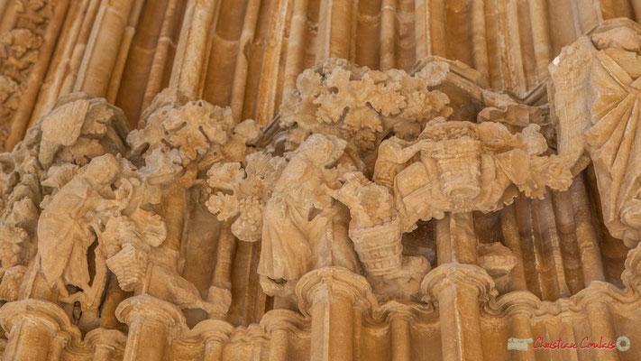 Détail du piédroit du portail du Sanctuaire-Forteresse de Santa María de Ujué, Navarre / Detalle del pedestal del portal del Santuario-Fortaleza de Santa María de Ujué, Navarra