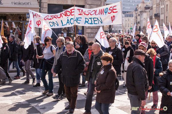"""15h07 Haute-Gironde insoumise """"On lâche rien"""". Manifestation intersyndicale de la Fonction publique/cheminots/retraités/étudiants, place Gambetta, Bordeaux. 22/03/2018"""