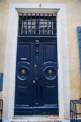 33 Porte double battant d'hôtel particulier, Arles