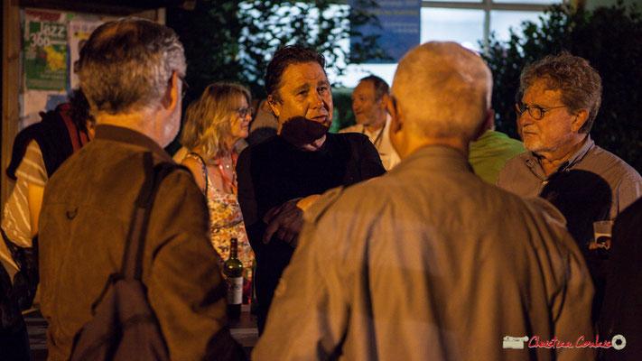 Louis Scalvis s'entretient avec quelques passionnés d'Action Jazz. Après concert de Louis Sclavis Quartet; Festival JAZZ360 2018, Cénac. 08/06/2018