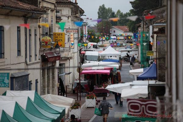 La rue Amaury de Craon s'anîme, Marché de Créon, Gironde